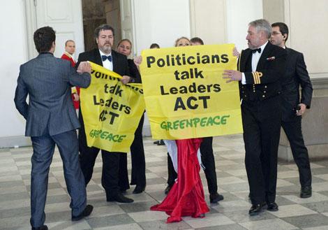 Acto de protesta de Greenpeace en Copenhague