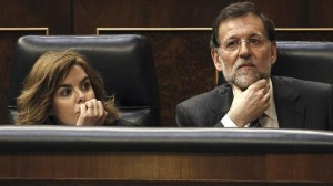 El Presidente Rajoy y la Portavoz Sáenz de Santamaría (EFE)