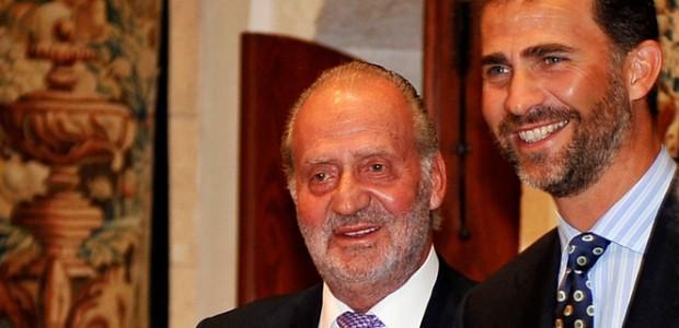 El rey Juan Carlos I y su hijo, el príncipe Felipe