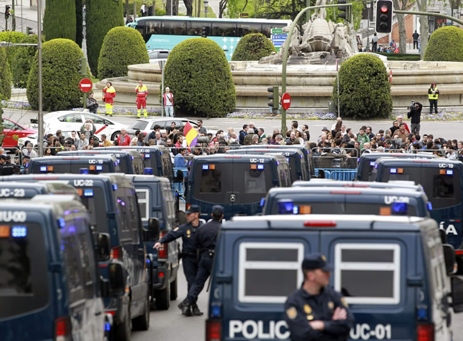 Despliegue policial a las puertas del Congreso el pasado 25 de abril