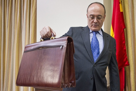Luis Linde, gobernador del Banco de España en una intervención en el Congreso. Foto de Gonzalo Arroyo