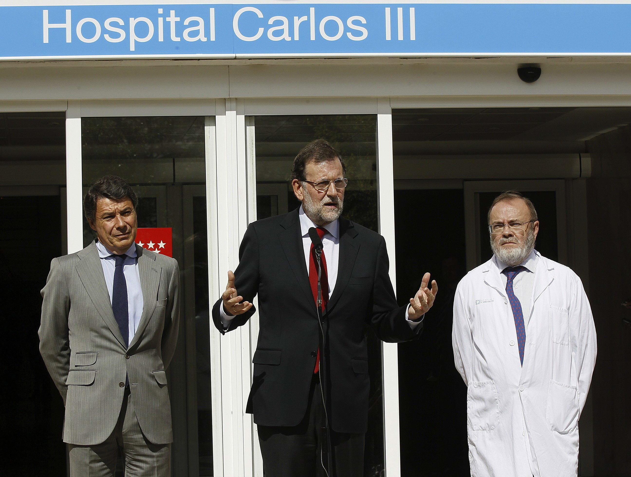 Rajoy en el Hospital Carlos III. EFE/Paco Campos