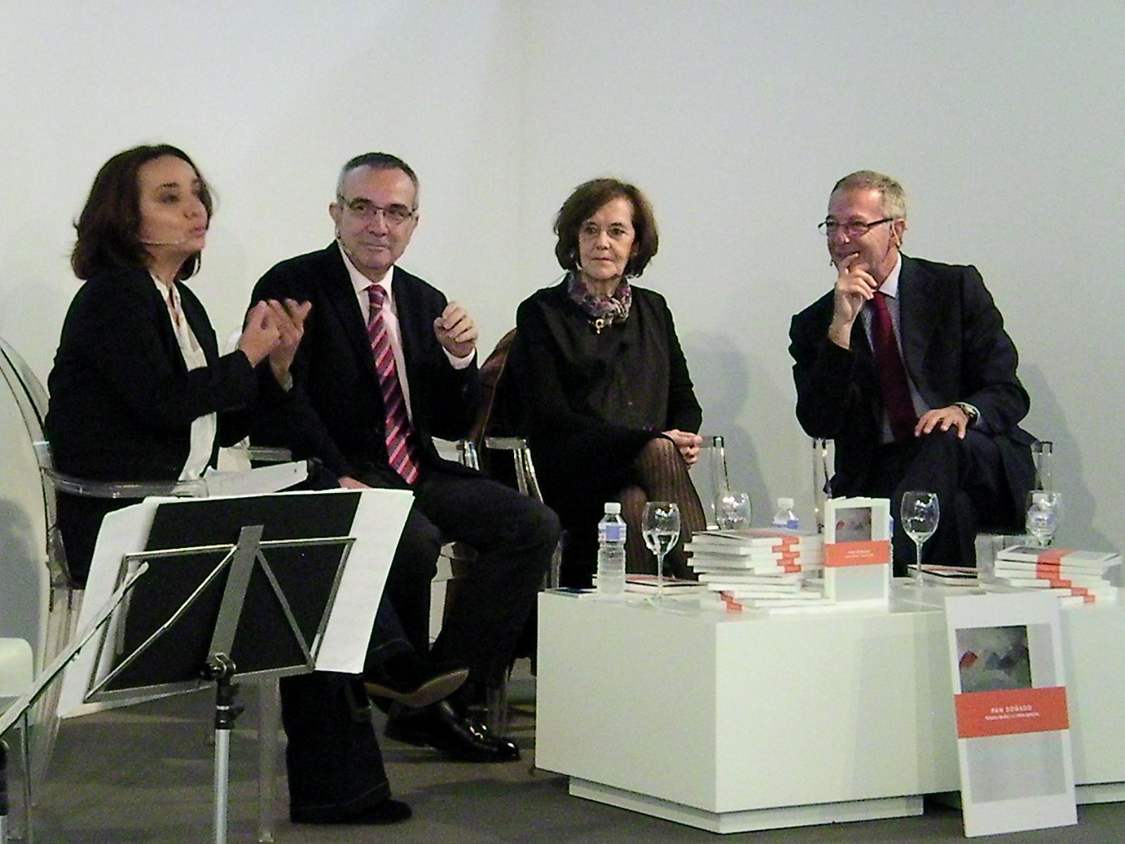 De izq a dcha: Pepa Bueno, Pepe Nevado, Teresa Muñiz y José Guirao