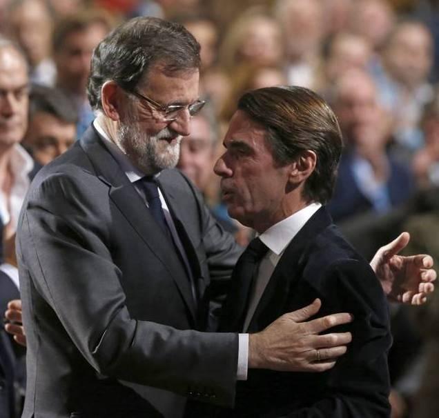 Aznar y Rajoy en la Convención del PP. EFE