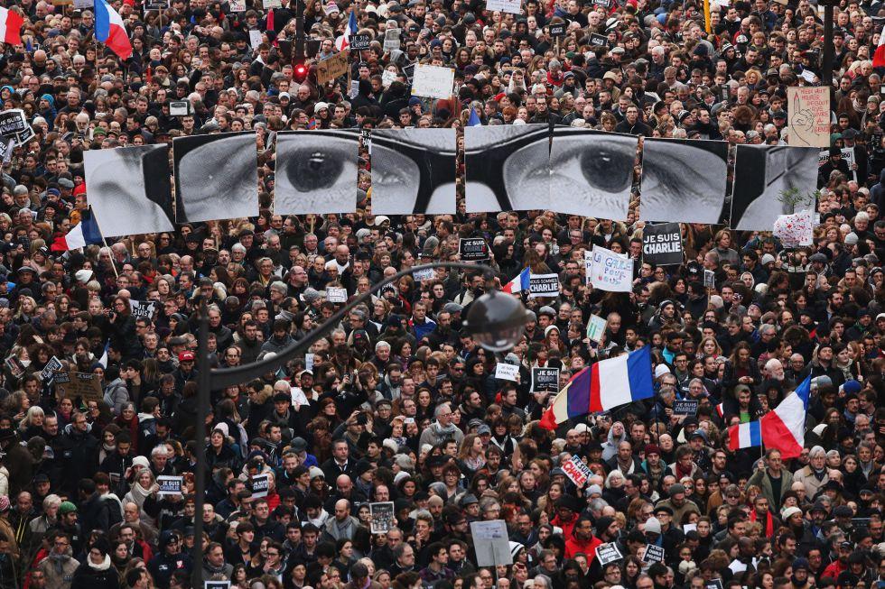 Momento de la marcha en el Boulevrd Voltaire, en París, Francia. CHRISTOPHER FURLONG (GETTY IMAGES)