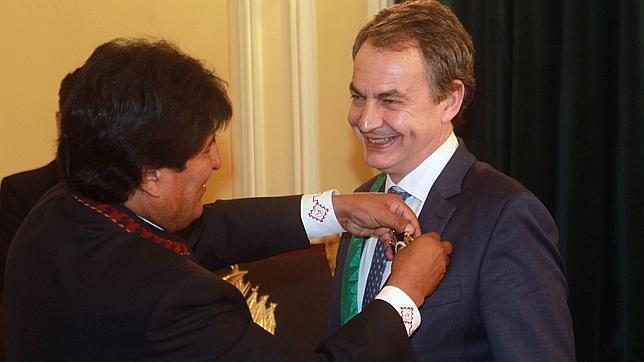 Zapatero llega a Bolivia para «recuperar el abrazo» con Evo Morales.Agencia EFE